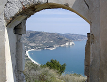 Monte Saraceno, la quiete di un'antica necropoli